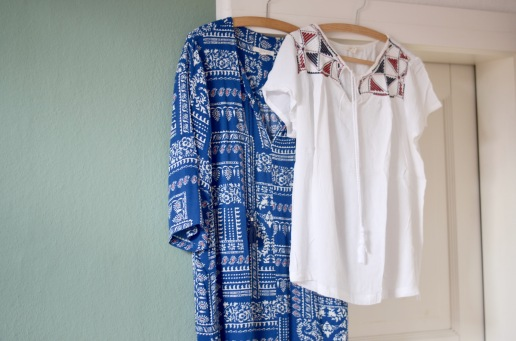 Kleid und Bluse von Esprit